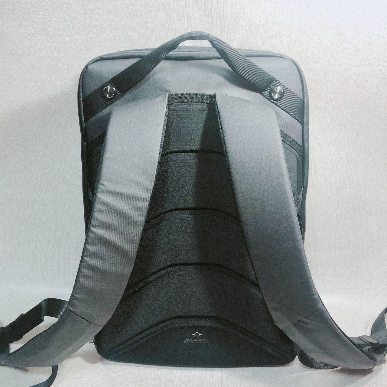 ビームバックパックの背面の画像